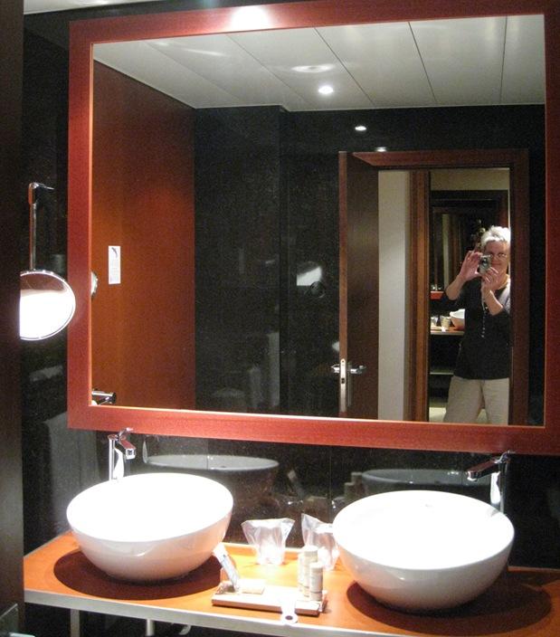 toilet by sisterbonde